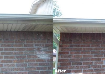 cleaning-mold-mildew-and-algae-from-eaves-soffit-corpus-christi-1